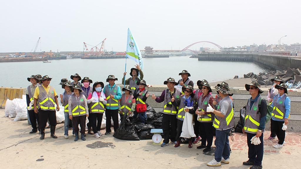 107.04.21 淨灘活動紀錄-竹圍漁港