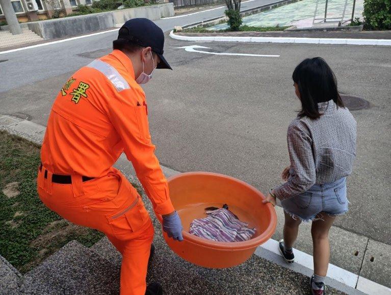 海巡署協助救援海龜